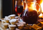 Mulled-Wine-and-Mince-Pies